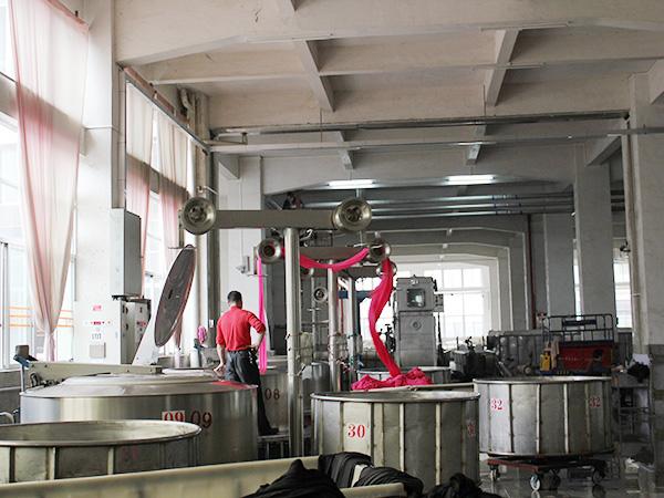 泛馨纺织-生产车间